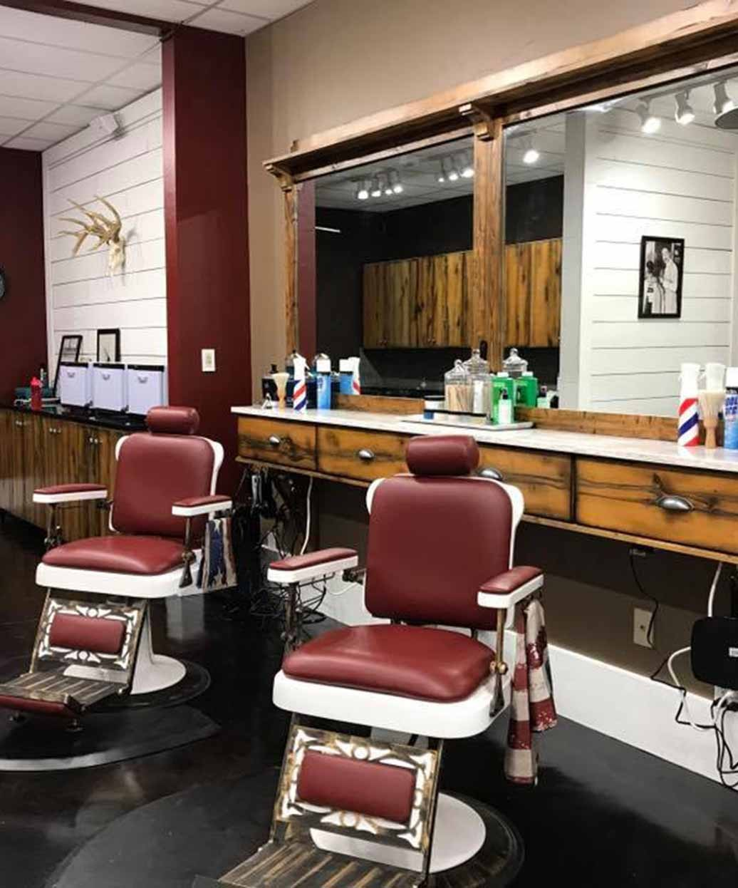 Pibbs 662 King Barber Chair